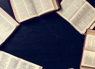 ¿Un solo Dios pero tenemos una sola palabra?